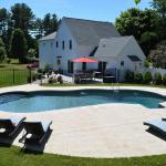 21x41 Mt Pond with 10' Gray Granite Roman Step and Swim Lounge Liner: Gold Pebble